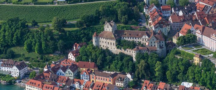 """<span class=""""entry-title-primary"""">Meersburg</span> <span class=""""entry-subtitle"""">Älteste, ständig bewohnte Burg Deutschlands</span>"""